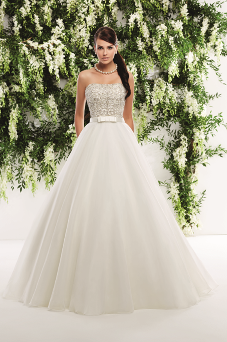 Strapless ball gown with pockets